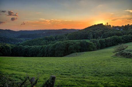 Sonnenuntergang und das Tal der Wupper