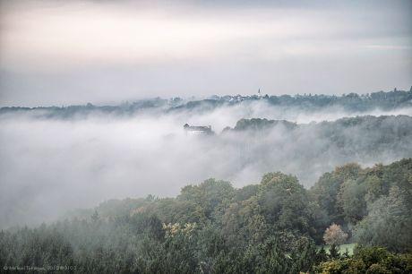 Wenn der Nebel die Burg umstreift