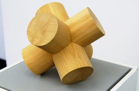 Wenn man einen Baumstamm zu einer Skulptur verwurschtet