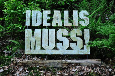 Idealismuss !: Als Künstler ist man Idealist ! - Belinda Salerno und Bernd Wachtmeister