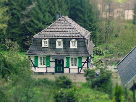 Johänntgesbrucher Mühle: das Tilt-Shift-Artefakt basiert auf einer Aufnahme aus dem Jahre 2001