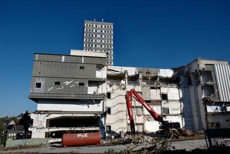ehemaliger Karstadt von der Kasernensraße aus gesehen