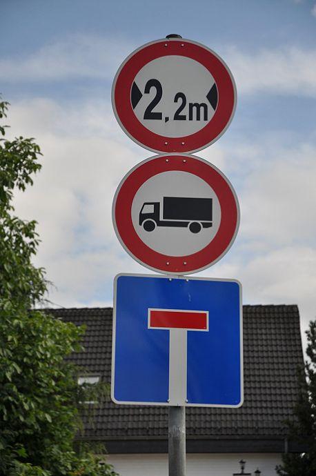 Verbot für Kraftfahrzeuge über 3,5 t: (Juli 2012)