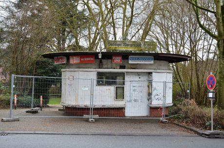 Kiosk am Bülowplatz, am Tage vor der geplanten Niederlegung