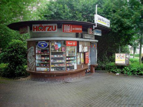Kiosk am Bülowplatz zu besseren Zeiten: August 2004