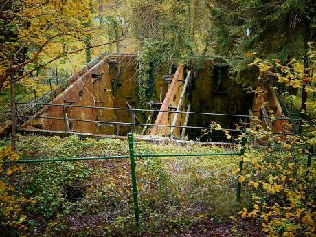 Spurensuche: Teil einer alten Kläranlage im Weinsbergtal