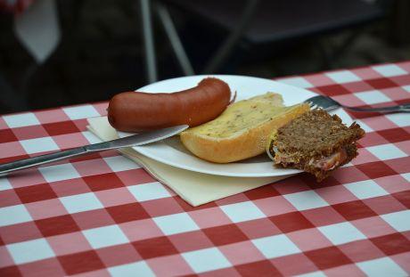 Kottenmahlzeit: Pferdewurscht, halver Hahn, Kottenbutter