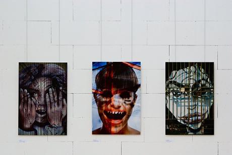 Vielfalt des Zufälligen: Angst - Aufschrei - Gefangen (Aludibond 50x75, Kristin Maria Hachenberg)