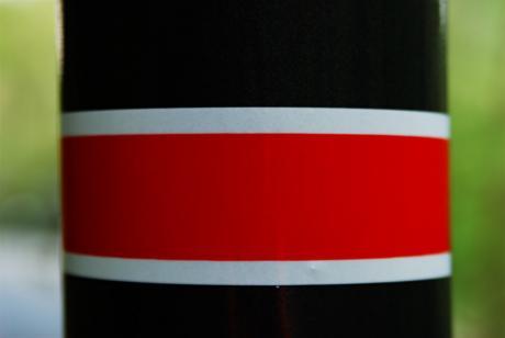 Laternenring: Zeichen 394 der StVO (rote Binde)