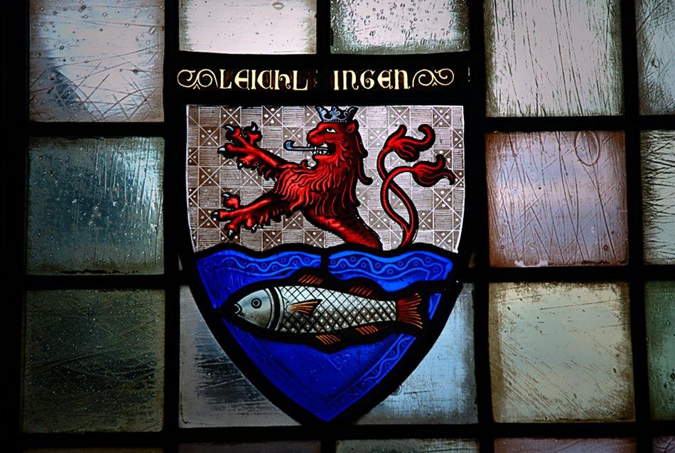 löwe und fisch