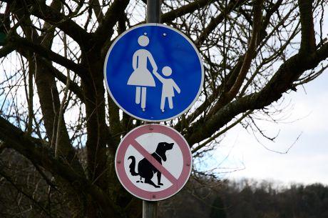 Fußgängerweg: für Alleinerziehende Mütter