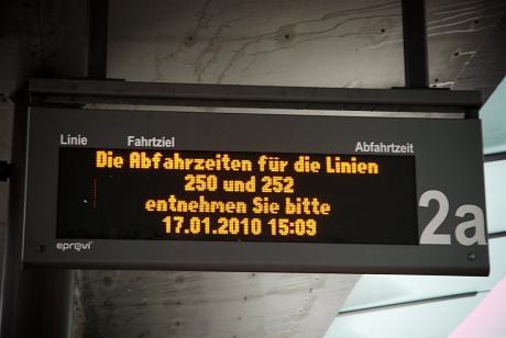 Die Abfahrtzeiten für die Linien: 250 und 252 entnehmen Sie bitte
