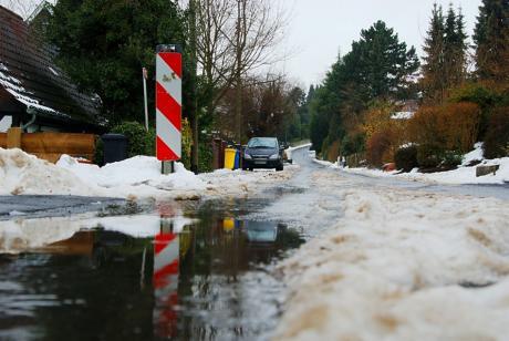 Schneematsch: Nasse Füße und Glatteis könnten garantiert sein
