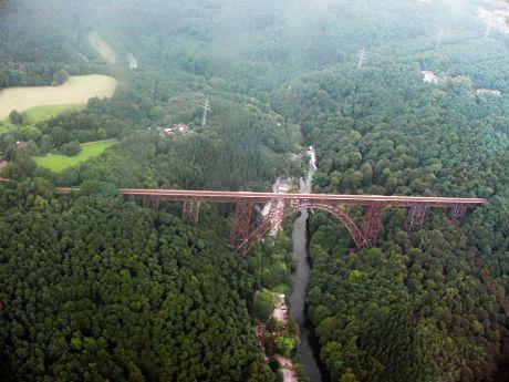 Müngstener Brücke aus der Vogelperspektive: (September 2001)