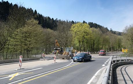 Blick von Müngsten Richtung Grunenburg: (Aufnahme April 2010)