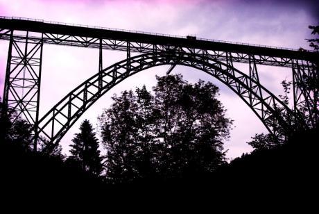 die Zukunft Müngstener Brücke: ist sicher!