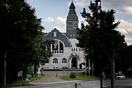 Museum Baden: in Solingen-Gräfrath (vormals Rathaus und später Klingenmuseum)