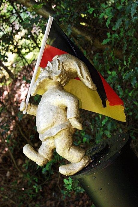 Mythos am Abgrund ?: Künstler: Ariane Schuster, Leverkusen