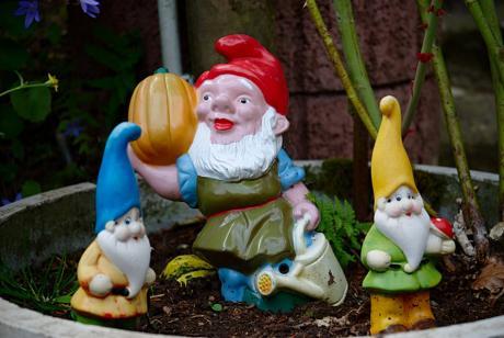 Im Garten: bei den sieben Zwergen