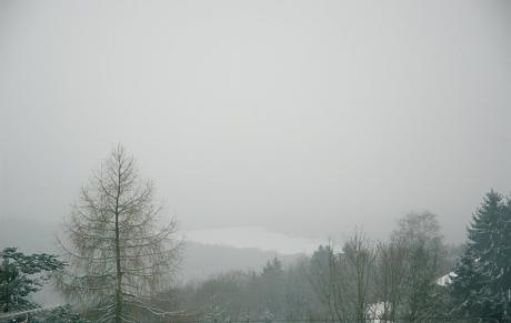 Jahrhundert Nebel im Jahrtausendwinter nach einer Schneinacht?