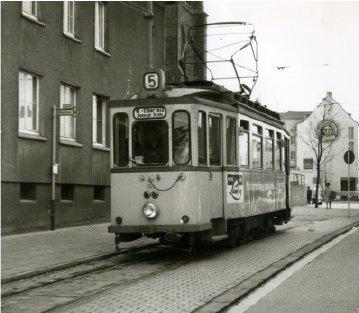 Nr. 5 an der Endstation an der Clemenskirche: (Quelle: Einladungs-Pdf zur Wanderung)