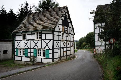 Fachwerkhaus Odentaler Weg 131: steht als Nummer 872 seit dem 7.8.1995 in der Solinger Denkmalliste