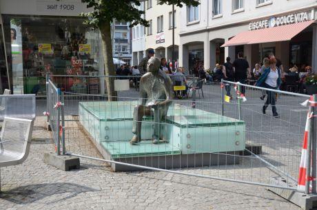 Peter Witte hinter Gitter: am Alten Markt