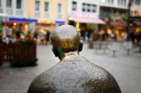 Solingens bekanntester Hinterkopf: Was mag er denken?