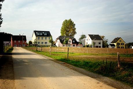 Aus der Bodenfalte gesehen: Pfaffenberger Weg (einst die Verbindung Solingen - Witzhelden)