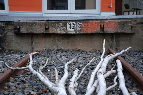 Prellbock: mehr eine Attrappe (Foto: Juni 2007)