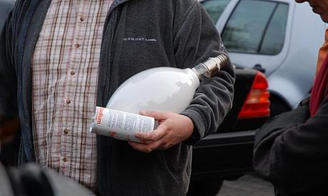 Quecksilberdampflampe: Ausführung mit leuchtstoffbeschichtetem äußerem Glaskolben (Titel des Fotos: Armleuchter)