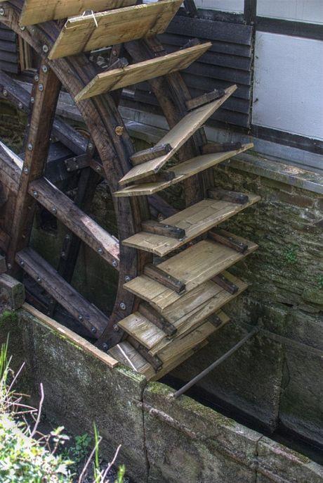 ramponiertes Wasserrad: am Balkhauser Kotten