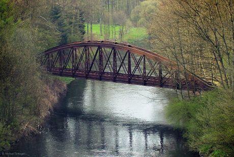 Die Brücke von Solinger Seite aus gesehen: Aufnahme aus dem Jahre 2001