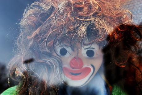 Der Clown, der Clown war immer lustig anzuschau'n: Hoppla hopp, hoppla hopp, hoppla hopp