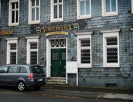 Schieferhaus: Cafe - Restaurant - Bierstube
