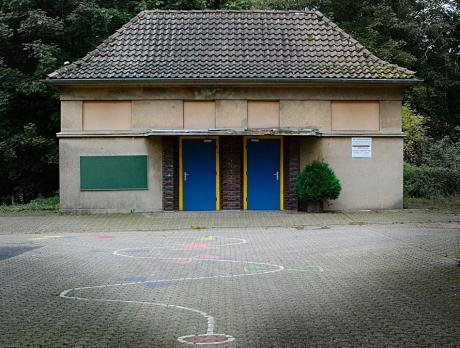 Gebäude der Schule Stöcken: Nach der Firma Rasspe schied auch die Schule dahin.