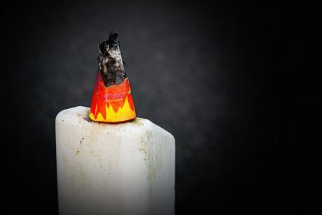 schwarz - rot - gold: ausgebrannt