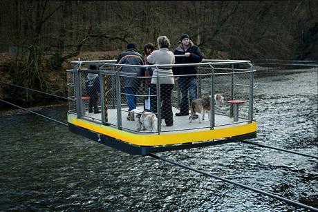 Schwebefähre: im Müngstener Brückenpark