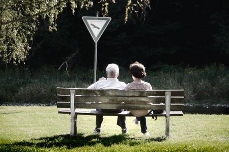 Sitzgelegenheit: am Rande der Wupper