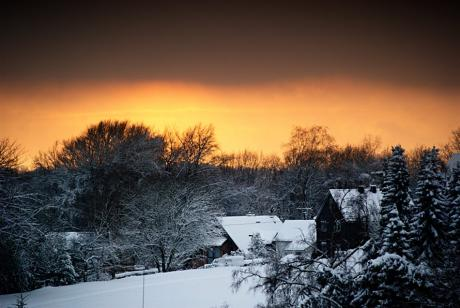 Sonnenuntergang im winterlichen Herbstausklang