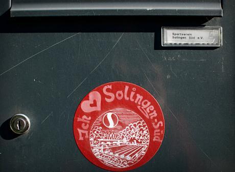 """""""I love Solingen-Süd"""": mittlerweile auf dem Boden des Beckens angekommen."""