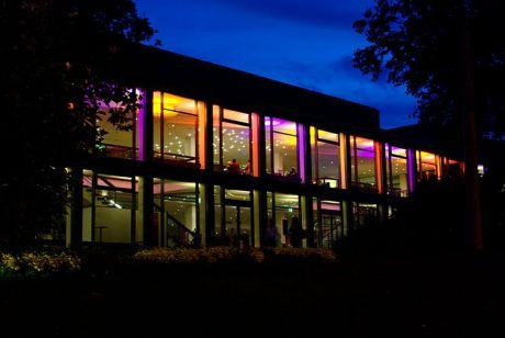 das Solinger Theater: heute Abend diente das Dach einem Feuerwerk als  Abschussrampe