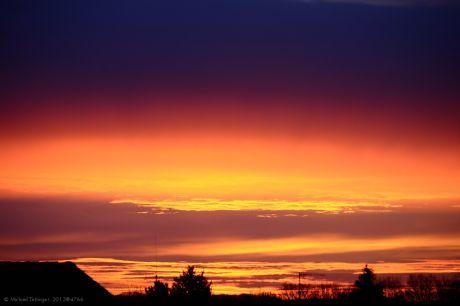 Morgendämmerung am ersten Wintertag: Die Hölle wird angeheizt