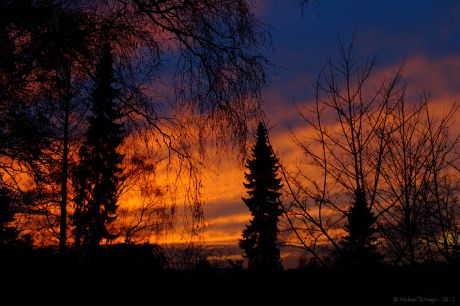 farbintensiver Sonnenuntergang