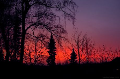 Sonnenuntergang vor dem Bürofenster