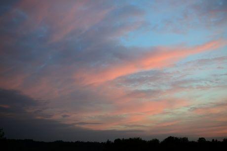 Sonnenuntergang in schweinchenrosa