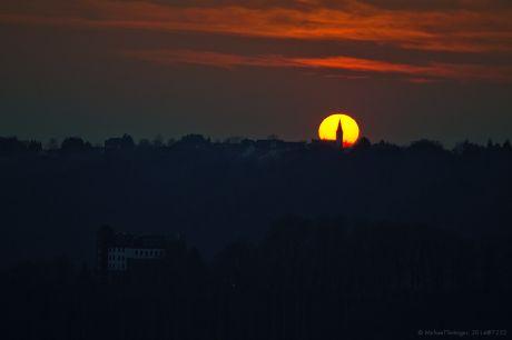 ev. Kirche zu Widdert bei Sonnenuntergang