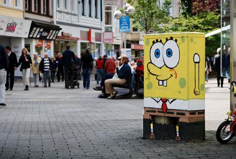 Spongebob als Deko: in der Ohligser Fußgängerzone