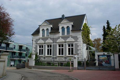 Steinbau an der Neuenhofer Straße