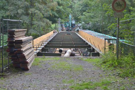 Strohner Brücke: Abbrucharbeiten sind im Gange